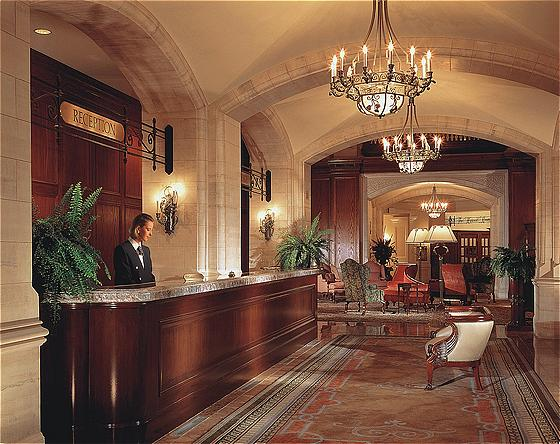 Hotel Macdonald Reception